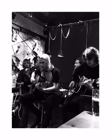 Go Go Berlin Acoustic Session im Addicted To Rock-Store in Wien